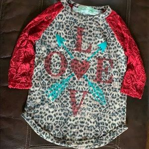 Girls 3/4 lace sleeve top size 6-8Y